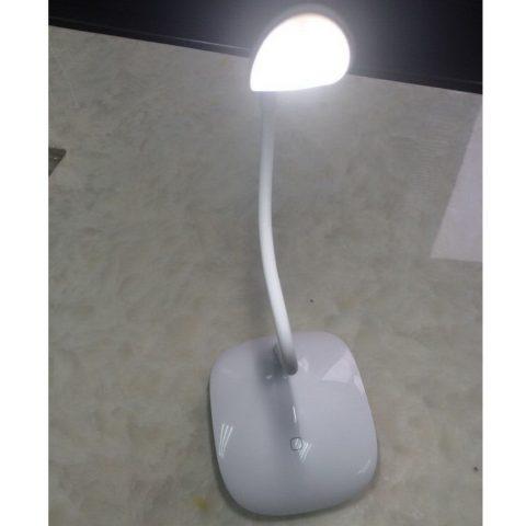 מכשיר האזנה זעיר וסמוי במנורת שולחן